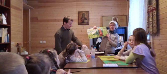 Фото с занятий воскресной группы.
